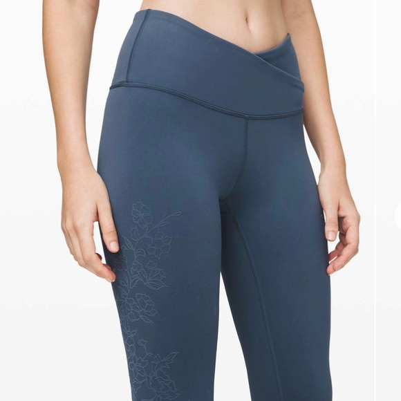 "Lululemon Always On HR tight 28"" Flocked"